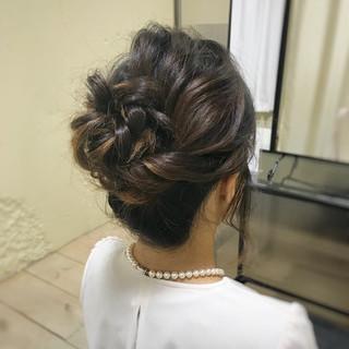 ミディアム お呼ばれヘア フェミニン ふわふわ ヘアスタイルや髪型の写真・画像