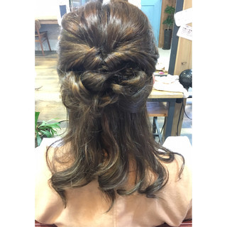 ショート ヘアアレンジ ハーフアップ 簡単ヘアアレンジ ヘアスタイルや髪型の写真・画像 ヘアスタイルや髪型の写真・画像