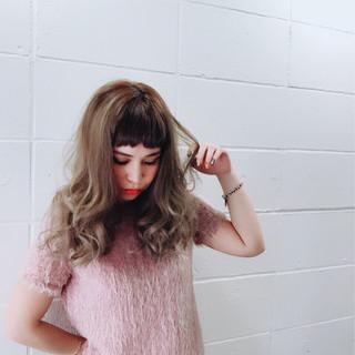 セミロング ガーリー 前髪あり 大人女子 ヘアスタイルや髪型の写真・画像 ヘアスタイルや髪型の写真・画像