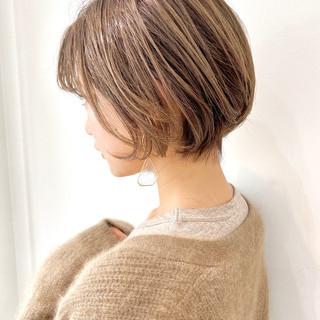 ベリーショート ショートヘア ナチュラル ゆるふわ ヘアスタイルや髪型の写真・画像