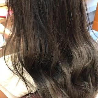 透明感カラー グレージュ アッシュ ロング ヘアスタイルや髪型の写真・画像