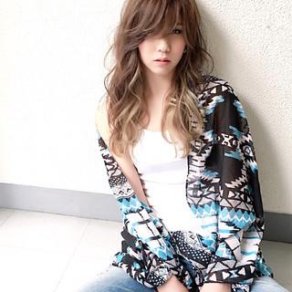 ストリート インナーカラー 外国人風 アッシュ ヘアスタイルや髪型の写真・画像