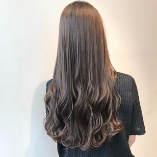 ミルクティーベージュ ナチュラル ブリーチなし 透明感カラー ヘアスタイルや髪型の写真・画像