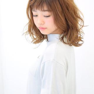 ウェーブ ふわふわ ヘアアレンジ ガーリー ヘアスタイルや髪型の写真・画像