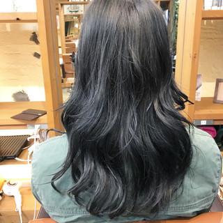 セミロング ブルージュ グラデーションカラー ストリート ヘアスタイルや髪型の写真・画像