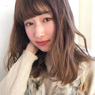 小顔 シナモンベージュ ガーリー ゆるふわ ヘアスタイルや髪型の写真・画像