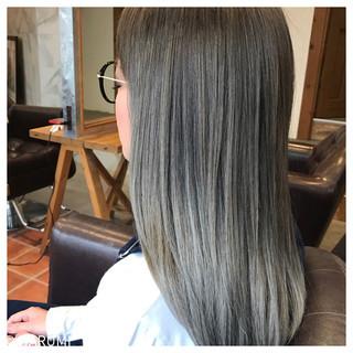 ナチュラル フェミニン ハイライト アッシュ ヘアスタイルや髪型の写真・画像 ヘアスタイルや髪型の写真・画像