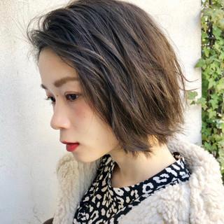 アウトドア デート アンニュイほつれヘア オフィス ヘアスタイルや髪型の写真・画像