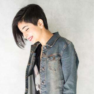 ストリート 黒髪 外国人風 前髪あり ヘアスタイルや髪型の写真・画像 ヘアスタイルや髪型の写真・画像