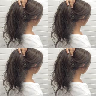 グレージュ ハイライト 外国人風 暗髪 ヘアスタイルや髪型の写真・画像