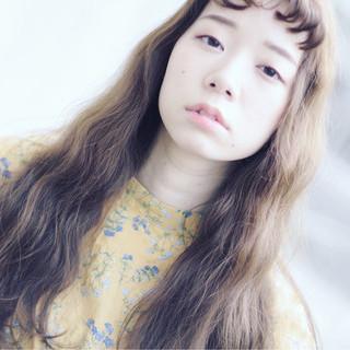 抜け感 大人女子 涼しげ グレージュ ヘアスタイルや髪型の写真・画像