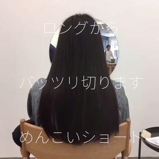 ショートヘア ショートボブ 前下がりショート ハンサムショート ヘアスタイルや髪型の写真・画像