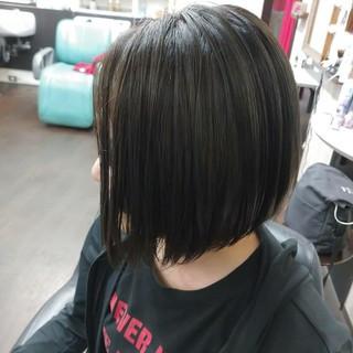 スモーキーアッシュのヘアスタイル|明るめor暗め、あなたはどっちが好き?