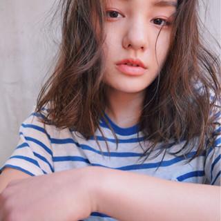 グラデーションカラー 外国人風 ナチュラル アッシュ ヘアスタイルや髪型の写真・画像