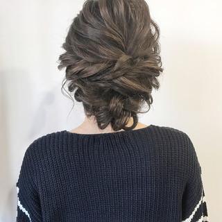 大人かわいい ルーズ セミロング 結婚式 ヘアスタイルや髪型の写真・画像
