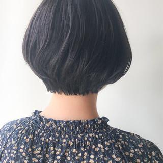 コンサバ グレージュ ショート ショートボブ ヘアスタイルや髪型の写真・画像