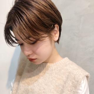 ナチュラル ショートヘア ショートボブ シースルーバング ヘアスタイルや髪型の写真・画像
