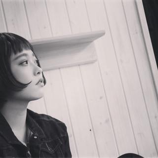 外国人風 ショートバング ショート マッシュ ヘアスタイルや髪型の写真・画像