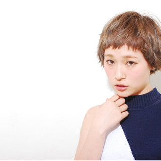 ベリーショート ショートバング ショート アッシュ ヘアスタイルや髪型の写真・画像