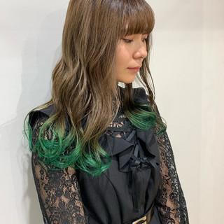 ベージュカラー 裾カラー ミルクティーベージュ インナーカラー ヘアスタイルや髪型の写真・画像