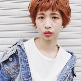 外国人風 ナチュラル 春 オレンジ ヘアスタイルや髪型の写真・画像