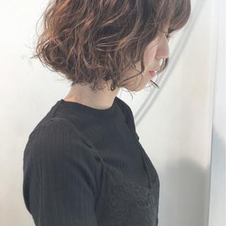 パーマ ボブ 前髪あり アンニュイ ヘアスタイルや髪型の写真・画像