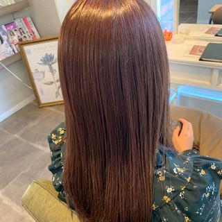 セミロング 艶髪 ピンクアッシュ ピンクベージュ ヘアスタイルや髪型の写真・画像