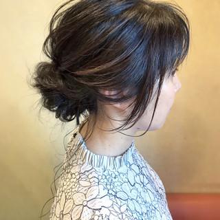 シニヨン 大人女子 大人かわいい 簡単ヘアアレンジ ヘアスタイルや髪型の写真・画像