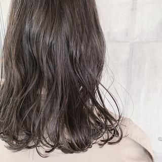 大人かわいい 外国人風カラー オフィス 黒髪 ヘアスタイルや髪型の写真・画像