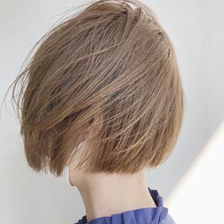 ショートヘア インナーカラー 切りっぱなしボブ ショートボブ ヘアスタイルや髪型の写真・画像