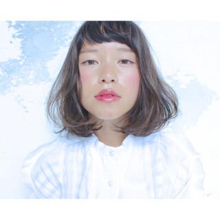 ミルクティー ショートバング ボブ ミディアム ヘアスタイルや髪型の写真・画像