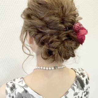 結婚式 セミロング フェミニン 編み込み ヘアスタイルや髪型の写真・画像