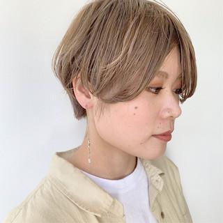 アンニュイほつれヘア 大人かわいい ミルクティーベージュ 外国人風カラー ヘアスタイルや髪型の写真・画像 ヘアスタイルや髪型の写真・画像