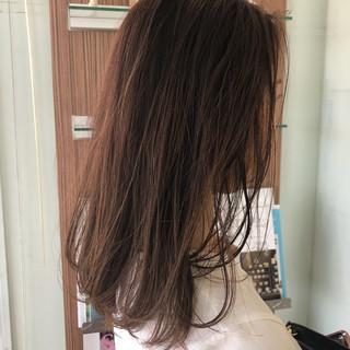 ブラウン ハイライト ブラウンベージュ ナチュラル ヘアスタイルや髪型の写真・画像