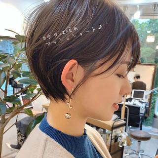 ショートヘア ショートボブ ナチュラル アンニュイほつれヘア ヘアスタイルや髪型の写真・画像