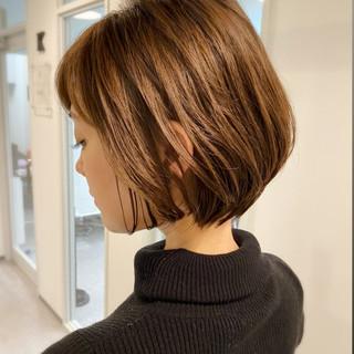 ショートヘア デート オフィス 大人かわいい ヘアスタイルや髪型の写真・画像