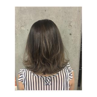 インナーカラー ナチュラル 外ハネ 外国人風 ヘアスタイルや髪型の写真・画像