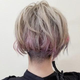 ショート ダブルカラー モード 刈り上げ ヘアスタイルや髪型の写真・画像