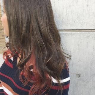 暗髪 ゆるふわ ミディアム インナーカラー ヘアスタイルや髪型の写真・画像 ヘアスタイルや髪型の写真・画像