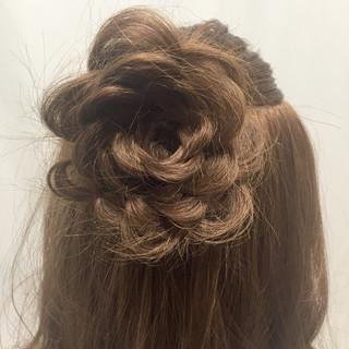 ショート ヘアアレンジ 波ウェーブ ハーフアップ ヘアスタイルや髪型の写真・画像