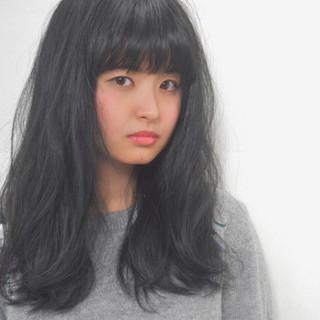 アッシュ 透明感 アッシュグレー ロング ヘアスタイルや髪型の写真・画像