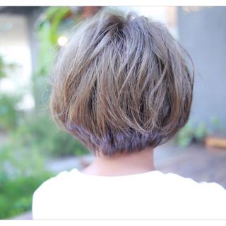 ショートボブ 前髪あり 外国人風 ハイライト ヘアスタイルや髪型の写真・画像 ヘアスタイルや髪型の写真・画像