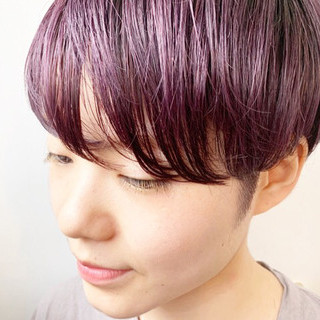 ショートヘア ハンサムショート ピンクベージュ ピンクアッシュ ヘアスタイルや髪型の写真・画像
