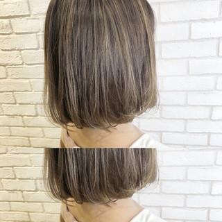 ミルクティーグレージュ ミルクティーベージュ ショートボブ コンサバ ヘアスタイルや髪型の写真・画像