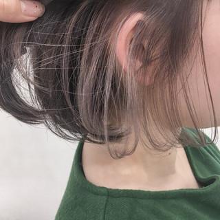 インナーカラー ヌーディーベージュ ボブ ミルクティー ヘアスタイルや髪型の写真・画像