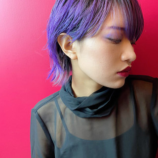 ダブルカラー ショートヘア ハイトーンカラー モード ヘアスタイルや髪型の写真・画像