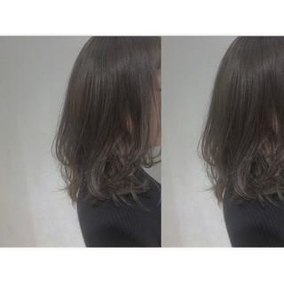 透明感 ミディアム レイヤーカット 外国人風カラー ヘアスタイルや髪型の写真・画像 ヘアスタイルや髪型の写真・画像