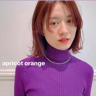 ミディアム ウルフカット オレンジベージュ レイヤーカット ヘアスタイルや髪型の写真・画像
