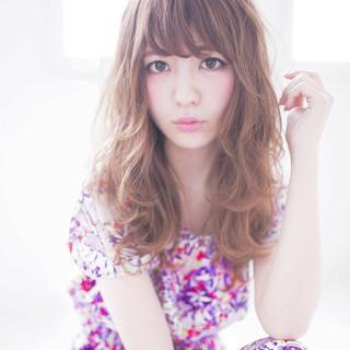 大人かわいい 外国人風 前髪あり アッシュ ヘアスタイルや髪型の写真・画像