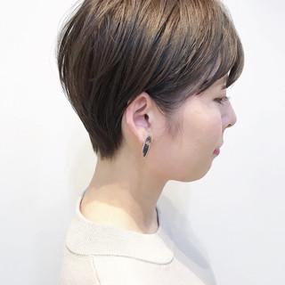 ショートヘア ショートバング ナチュラル ショート ヘアスタイルや髪型の写真・画像
